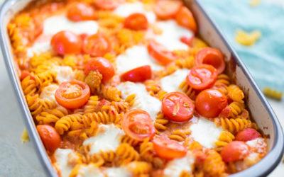Pasta in einer cremigen Tomaten-Burrata Sauce